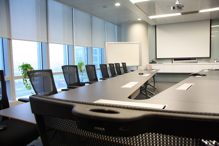 here-are-the-energy-saving-features-of-conference-room-automation